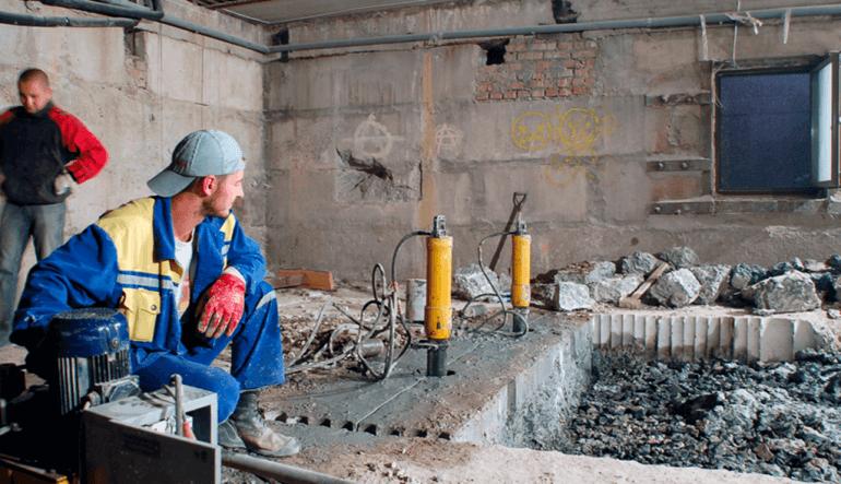 Алмазная резка проема в фундаментной плите толщиной 90см